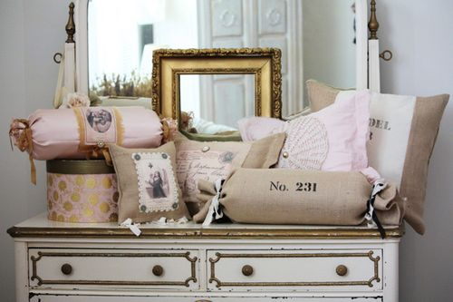 Accent Pillows 1