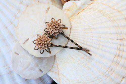 Lotusalmondhairpins