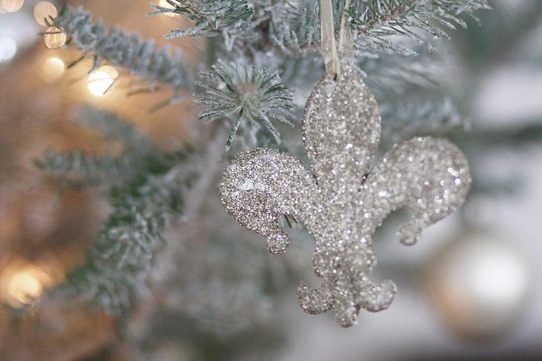 Fleur de Lys Ornament